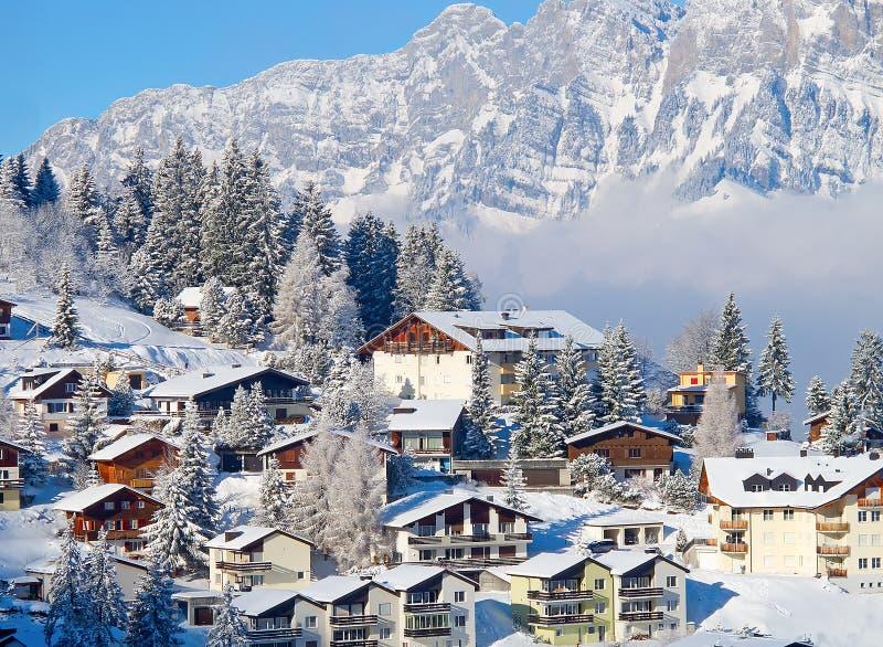 Maisons de vacances de l'hiver images stock