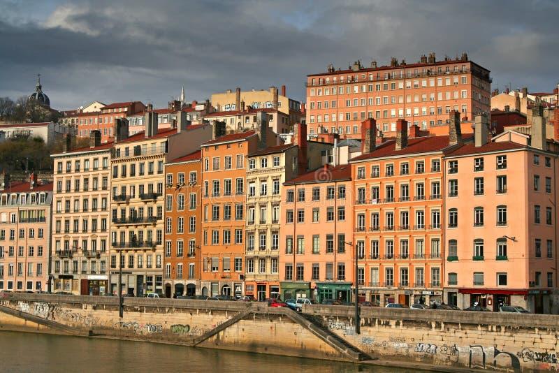 Maisons de ville de rive image libre de droits