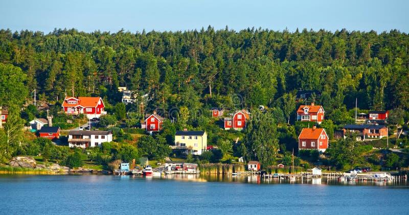 Maisons en bois rouges photo libre de droits