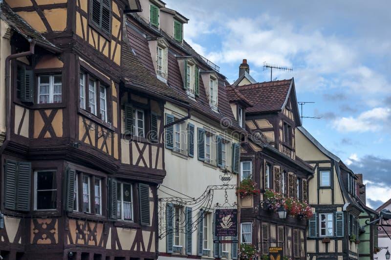 Maisons françaises traditionnelles colorées dans petit Venise, Colmar, France images libres de droits