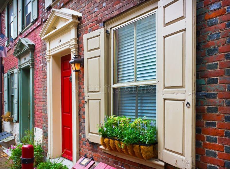 Maisons historiques colorées à Philadelphie image libre de droits