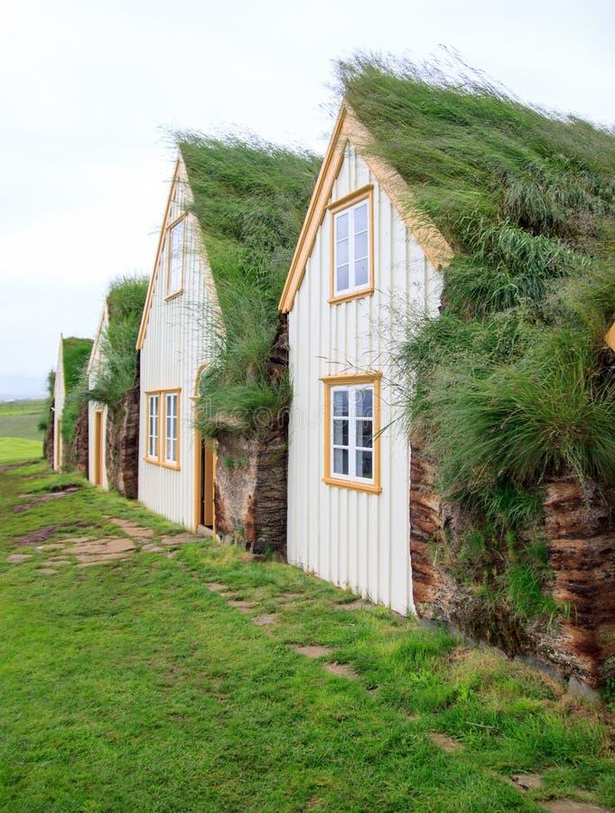 Maisons islandaises de gazon photo stock