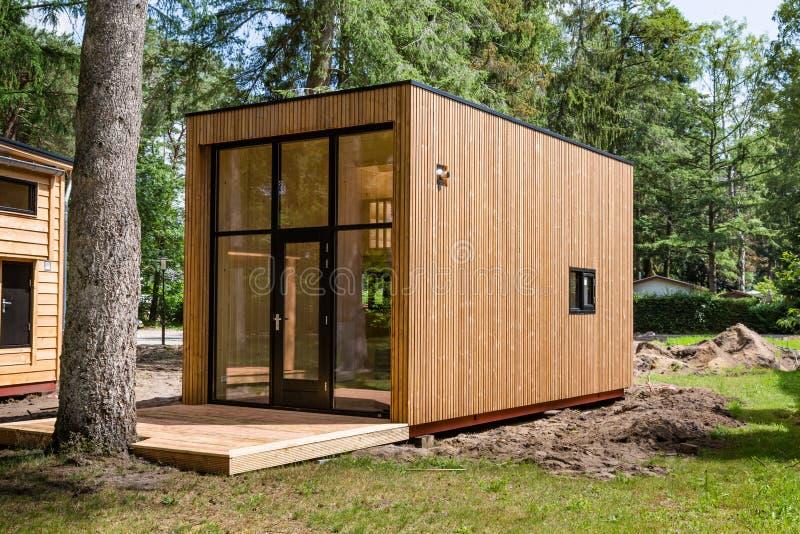 Maisons minuscules en bois néerlandaises image stock