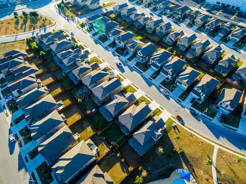 Maisons modernes vaste Texas Hill Country de nouveauté de vue d'oeil du ` s d'oiseau image libre de droits