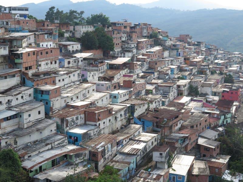 Maisons pauvres au Venezuela Région de taudis au Venezuela, voisinage photo libre de droits