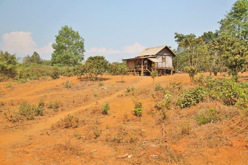 maisons pauvres de village de lao dans la vie rurale, Laos photographie stock