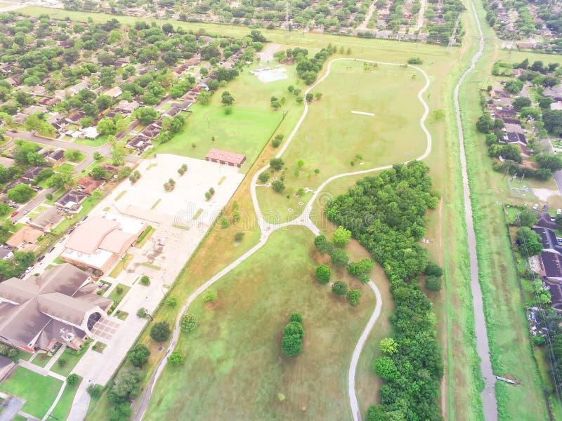 Maisons résidentielles aériennes, voisinage d'allées à Houston, Te photo libre de droits
