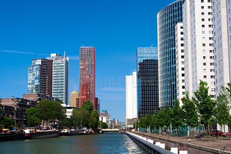 Maisons résidentielles. Le centre de Rotterdam photos stock