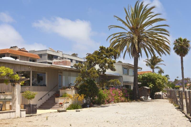 Maisons résidentielles près du point Loma California de plage. photo libre de droits