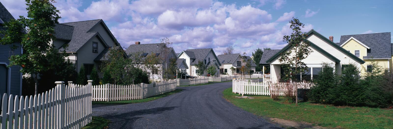 Maisons suburbaines de voisinage photo stock
