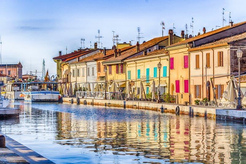 maisons sur le port italien de canal photo libre de droits