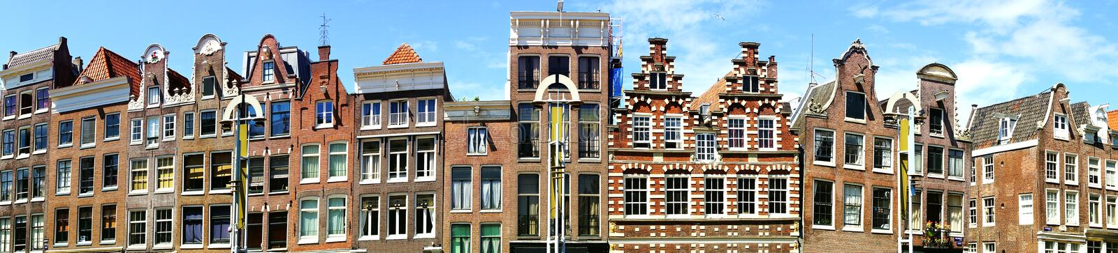 Maisons traditionnelles d'Amsterdam. image stock
