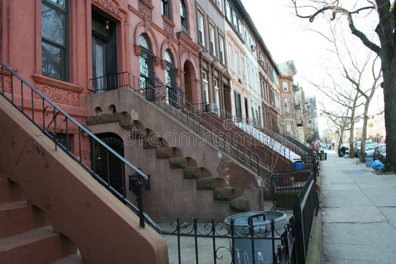 Maisons types à New York image libre de droits
