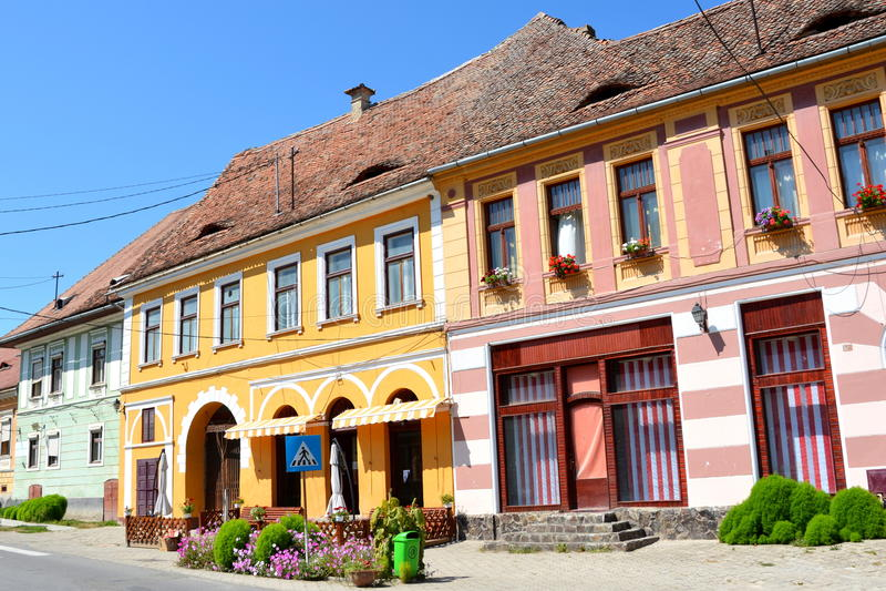 Maisons typiques dans le village Biertan, la Transylvanie photo stock