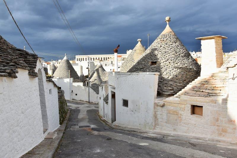 Maisons uniques de Trulli d'Alberobello photographie stock libre de droits