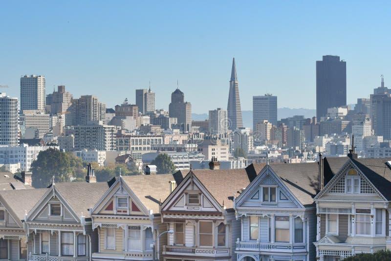 Maisons urbaines victoriennes, San Francisco, Etats-Unis photo libre de droits