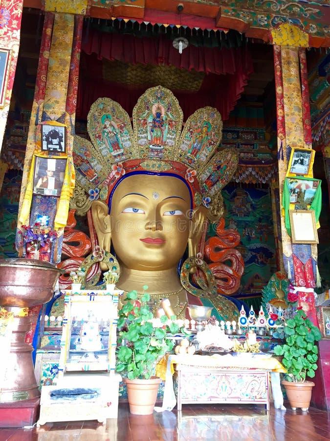 Maitreya Boedha bij Thiksay-Klooster stock fotografie