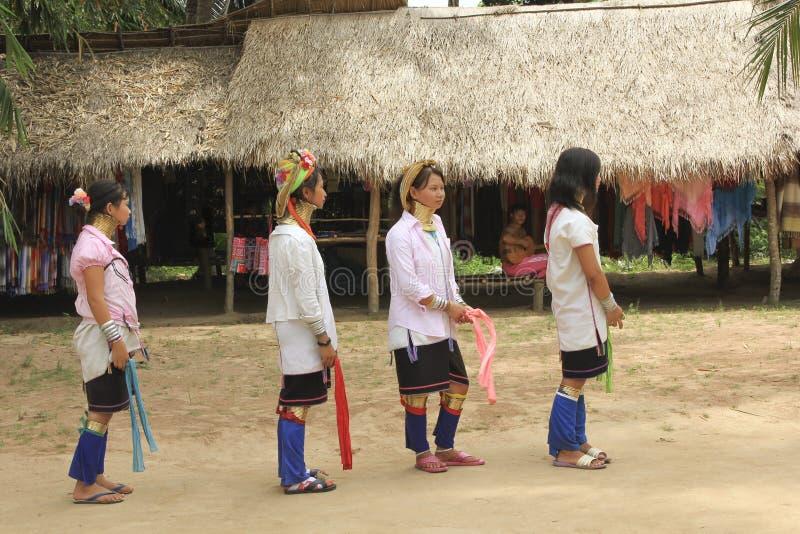 Maj 11, 2011, Pattaya, Tajlandia Padaun g mniejszościowej kolii kultury tradyci thnic kobiety obraz royalty free