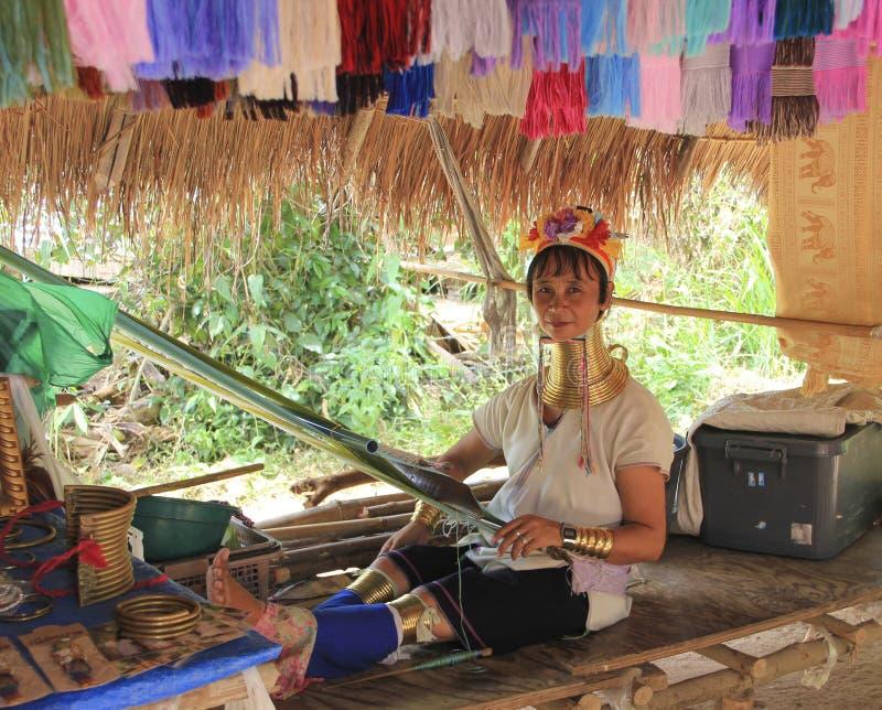 Maj 11, 2011, Pattaya, Tajlandia Padaun starszej mniejszości g kolii kultury tradyci thnic kobiety fotografia stock