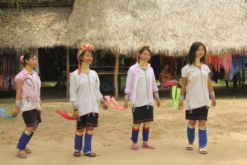 Maj 11, 2011, Pattaya, Tajlandia Padaung kultury tradyci thnic kobiety obrazy stock