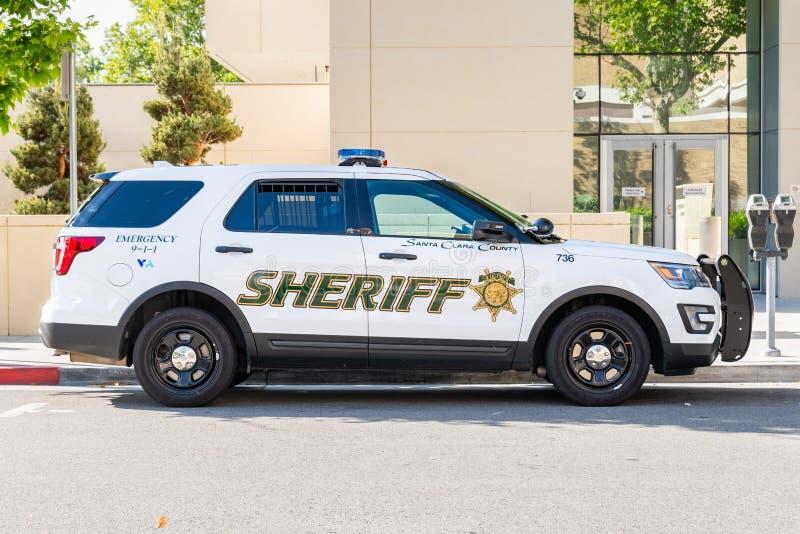 Maj 5, 2019 San Jose, samochód policyjny parkujący na ulicznym pobliskim śródmieściu/CA, usa/- Santa Clara okręg administracyjny zdjęcie stock