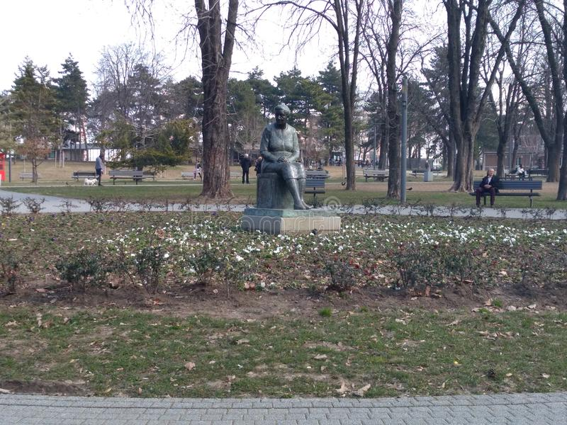 Majdan TaÅ ¡ parkerar, Belgrade, Serbien vid Dunya_Ra arkivfoton