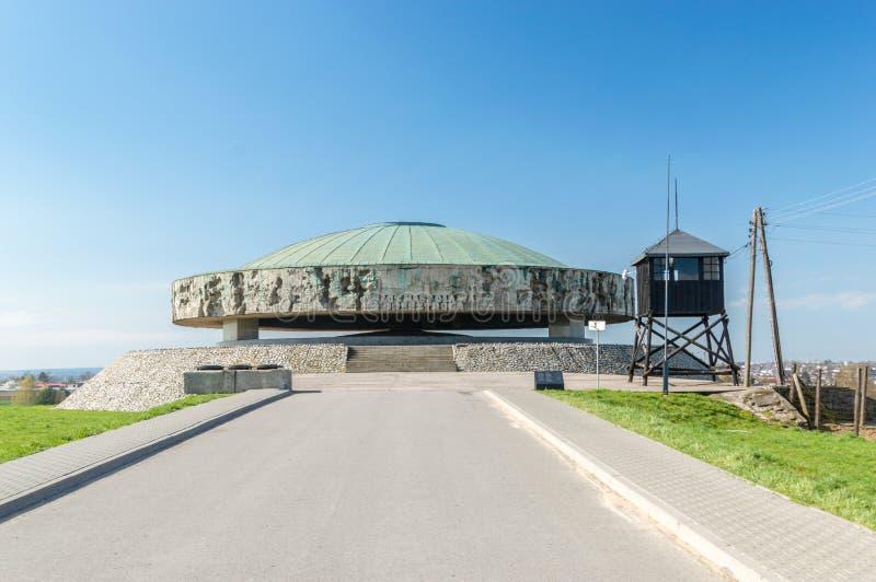 Majdanek集中营的陵墓 库存照片