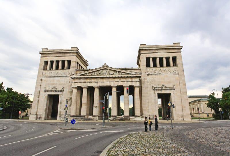 majestätisk museumfyrkant för konigsplatz arkivfoto