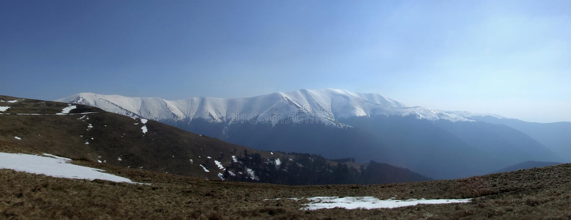majestätiska berg royaltyfri bild