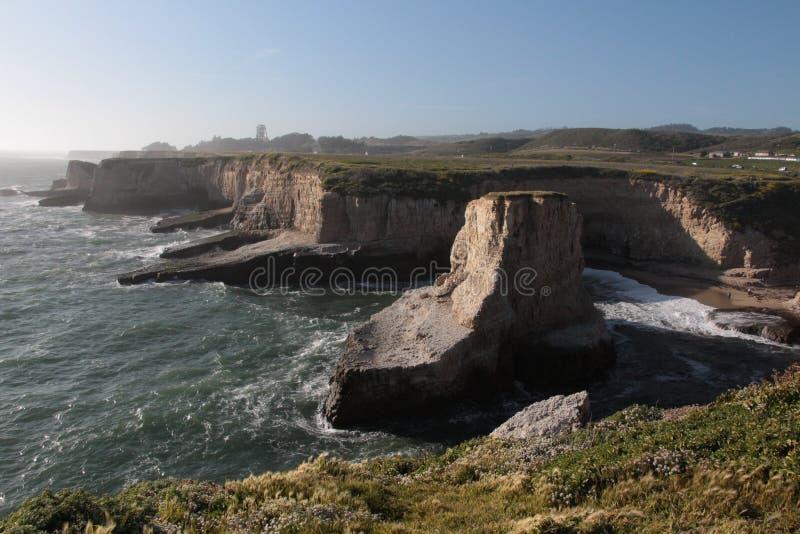 Majestätiska Davenport klippor i Kalifornien royaltyfria foton