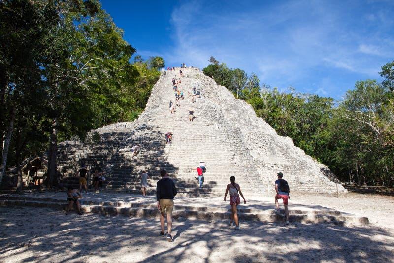 Majestätiskt fördärvar i Coba, Mexico royaltyfria bilder