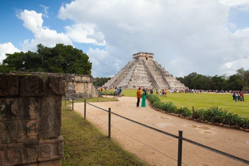 Majestätiskt Mayan fördärvar i Chichen Itza, Mexico royaltyfria bilder