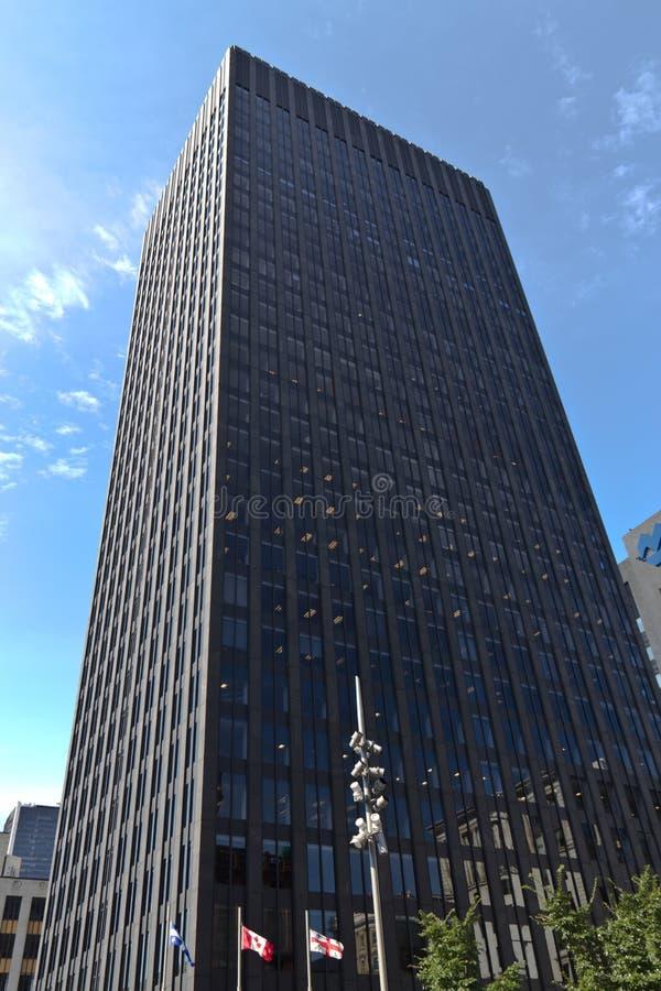 Majestatyczny nowożytny budynek w w centrum Montreal, Kanada zdjęcia stock