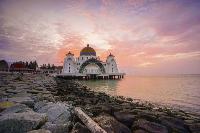 Majestatyczny widok Malacca cieśniny Meczetowe podczas zmierzchu obrazy stock