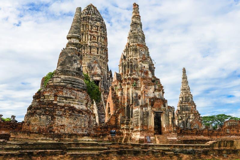 Majestic ruins of 1629 Wat Chai Watthanaram built by King Prasat Tong with its principal Prang (center) representing Mount. Majestic ruins of 1629 Wat Chai stock photos
