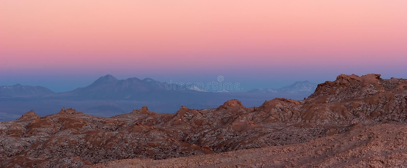 Majestueus de zonsondergangpanorama van de Woestijn Atacama, Chili stock foto's