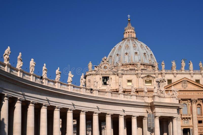 Majestueuze St Peter Basiliek in Rome, Vatikaan, Italië royalty-vrije stock foto's