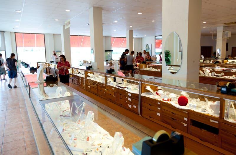 Download Majorica Den Manacor Fabriken Shoppar Redaktionell Arkivfoto - Bild av shopping, öar: 76700433