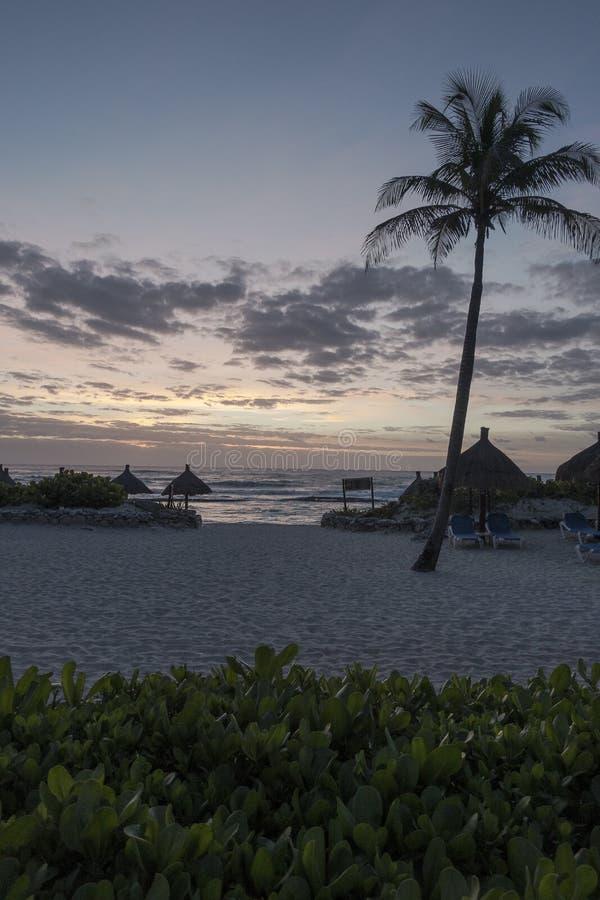 Majowia Riviera plaża nocą zdjęcie stock