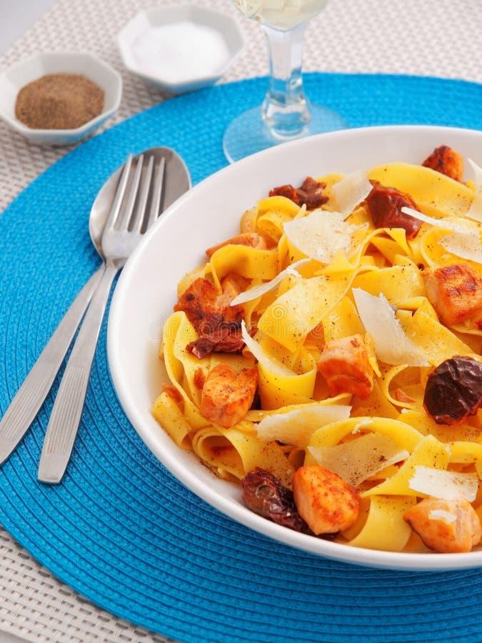 Makaron kolekcja - Fettuccine z wysuszonymi pomidorami obrazy stock