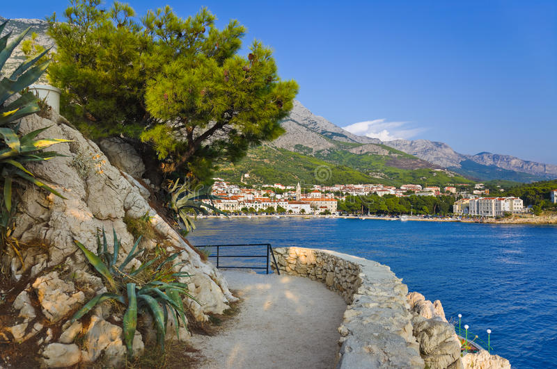 makarska Хорватии к взгляду стоковое фото rf