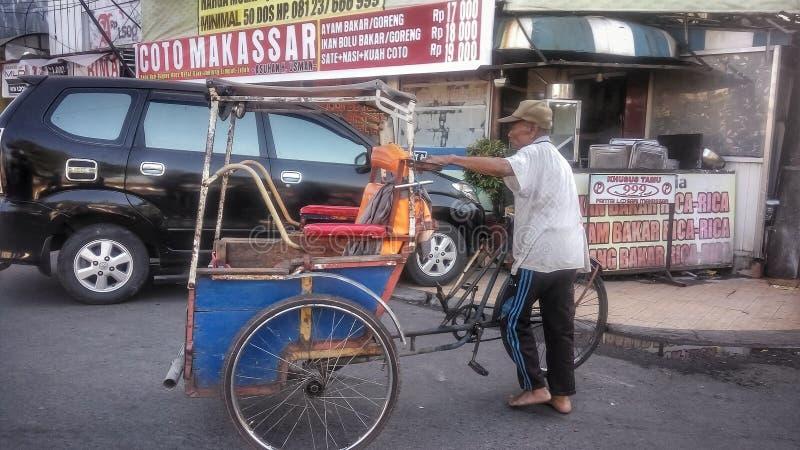 Makassar, Indonésie 4 août 2019 : Le pédicab, l'un des moyens de transport traditionnels en Indonésie Surtout à Makassar City photographie stock