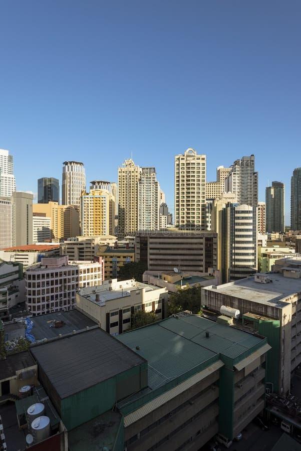 Makati horisont i Manila - Filippinerna arkivbild