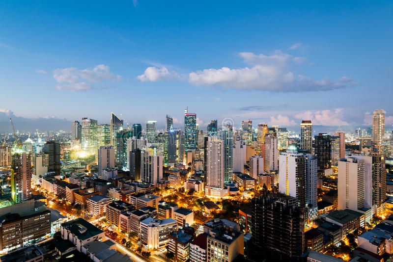 Makati stadshorisont, Manila - Filippinerna arkivbilder