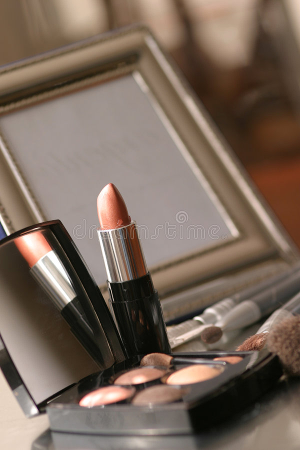 Download Make up stock photo. Image of trousse, brush, beauty, thing - 469082