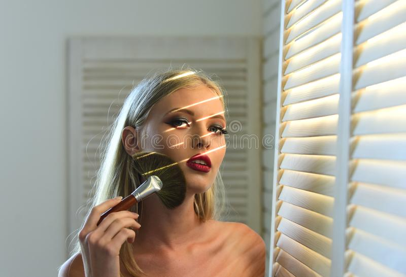 Make-up auf makelloser Haut der Frau, Sch?nheit lizenzfreies stockfoto