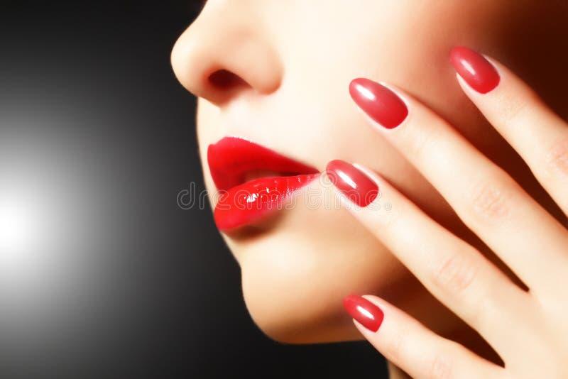 Make-up en manicure royalty-vrije stock afbeelding