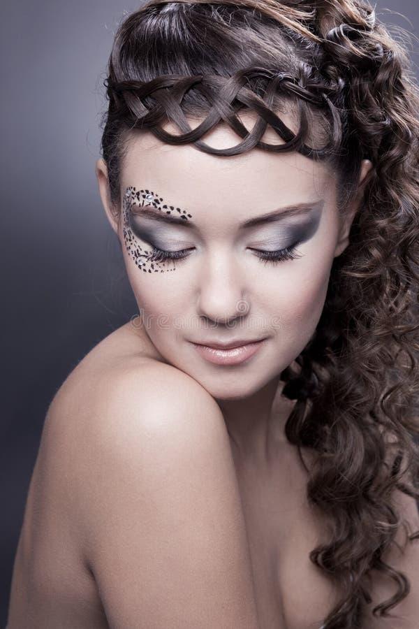 Make-up en oud kapsel stock foto's
