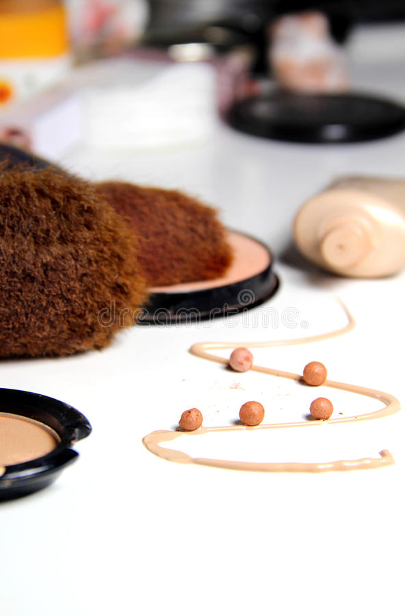 Free Make-up, Foundation And Brushes Royalty Free Stock Photos - 60688648
