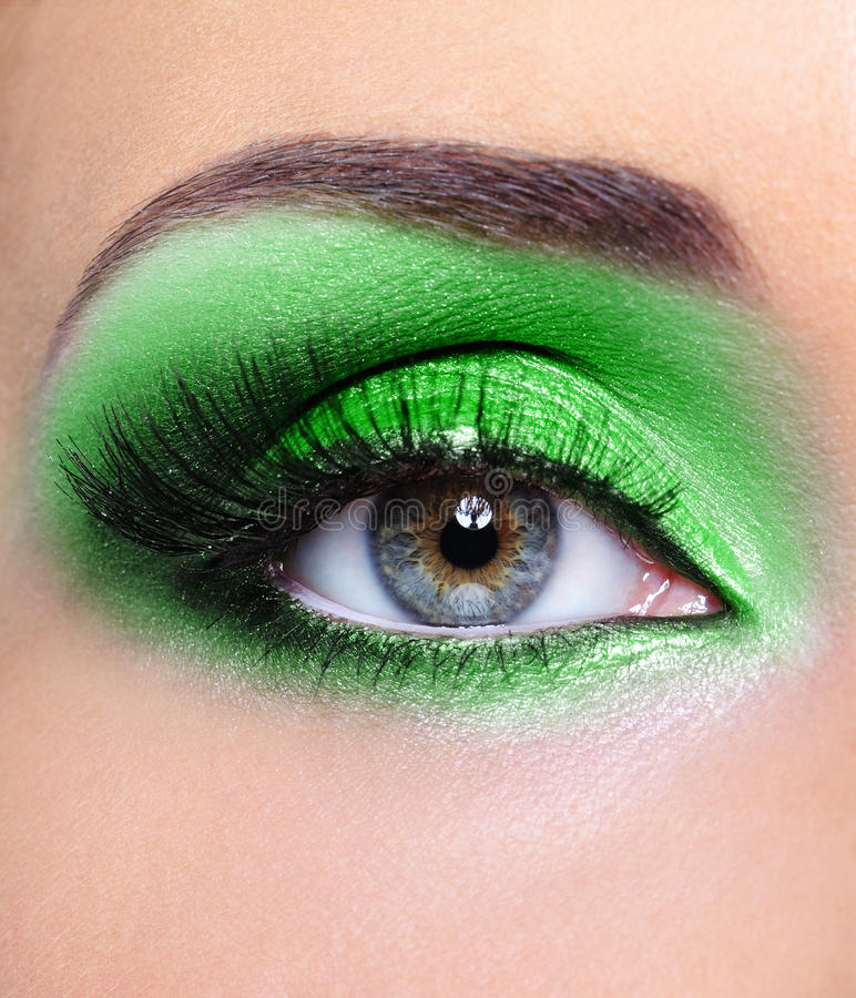 Free Make-up Of Woman Eye With Green Eyeshadows Stock Images - 14259904